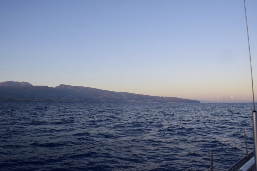 Our arrival in Réunion at dawn on Saturday, 17th October